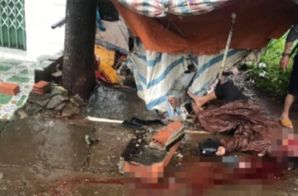 Lũ cuốn trôi cầu sắt khiến gần 1.500 người ở Kon Tum bị cô lập