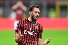 """MU dùng lương khủng chiêu mộ """"sao"""" AC Milan"""