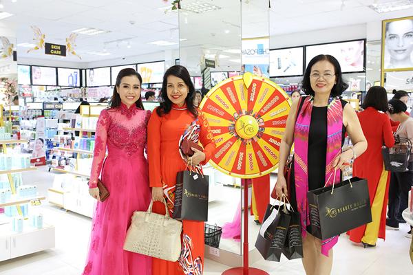 Chuỗi bán lẻ mỹ phẩm AB Beauty World tung 'deal hot' mừng siêu thị thứ 3