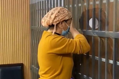 Mẹ khóc nghẹn gặp con trai mất tích 18 năm trong hoàn cảnh trớ trêu