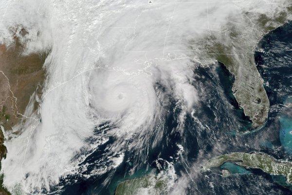 Siêu bão Zeta đổ bộ, miền nam nước Mỹ tan hoang