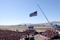 Máy bay lạ xâm nhập không phận nơi ông Trump vận động tranh cử