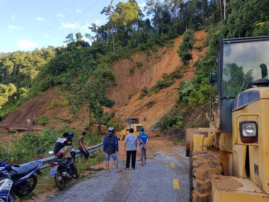 Another landslide in Quang Nam buried 11 people