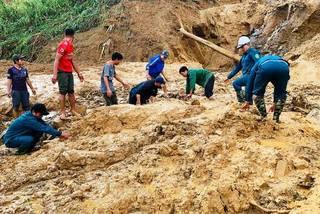 Nơi sạt lở vùi lấp 2 cán bộ xã đi giúp dân chống bão ở Quảng Nam