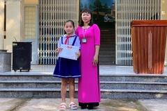 Trường học tặng giấy khen cho học sinh đập heo đất ủng hộ miền Trung