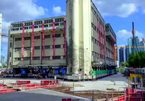 Xem tòa nhà nặng hơn 7.000 tấn 'đi bộ' tới nơi tọa lạc mới