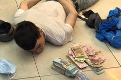 Bắt sống kẻ đột nhập cửa hàng FPT trộm 120 triệu đồng