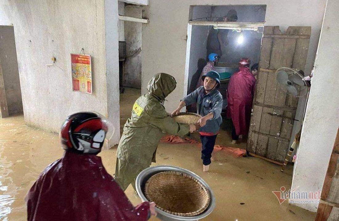 Thuỷ điện ở Nghệ An đồng loạt xả lũ trong đêm, người dân lo lắng