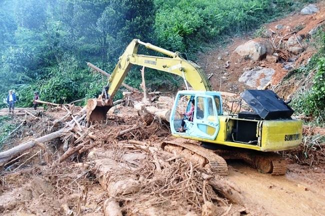 Hiện trường lở núi san phẳng ngôi làng ở Quảng Nam