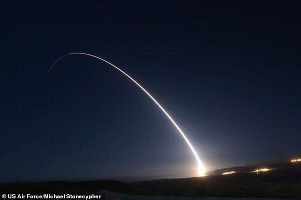Mỹ bắn thử nghiệm tên lửa đạn đạo liên lục địa