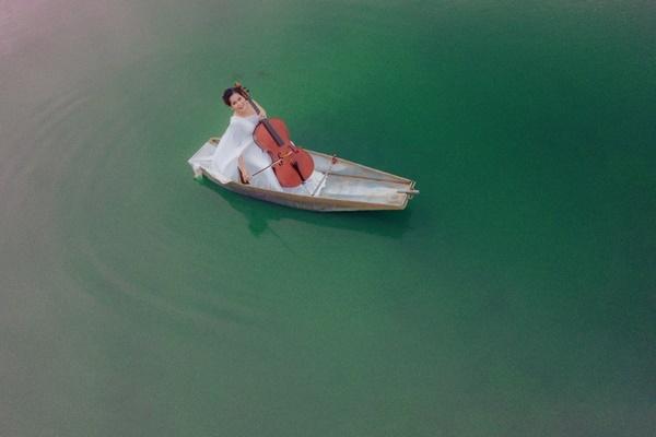 Mỹ Lệ làm mới bản hit 'Dòng sông không trở lại' sau 20 năm