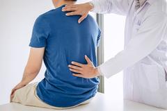 Dấu hiệu bất ngờ ở lưng cảnh báo ung thư phổi