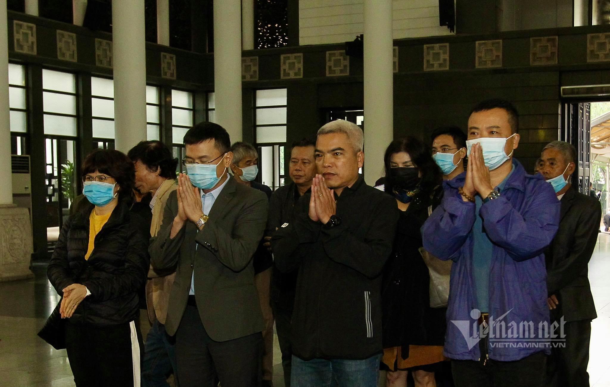 Nhiều nghệ sĩ đến tiễn biệt nhạc sĩ Văn Ký, tác giả 'Bài ca hy vọng'