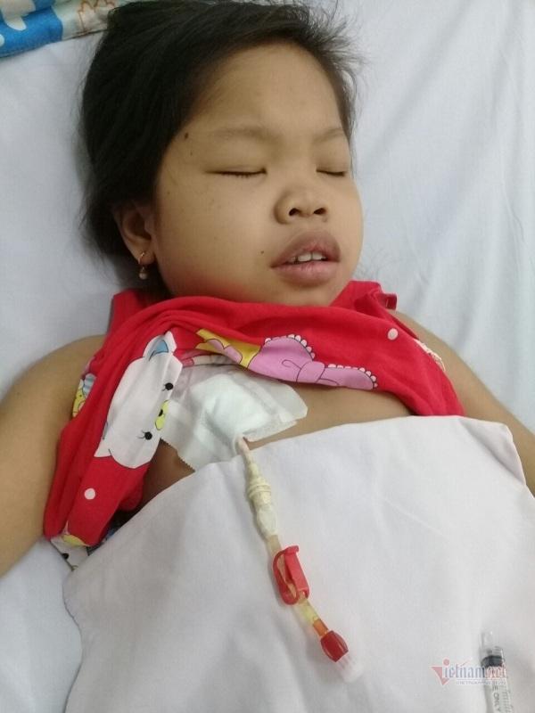 Thiếu nữ 16 tuổi đau đớn trong hình hài đứa trẻ lên 5