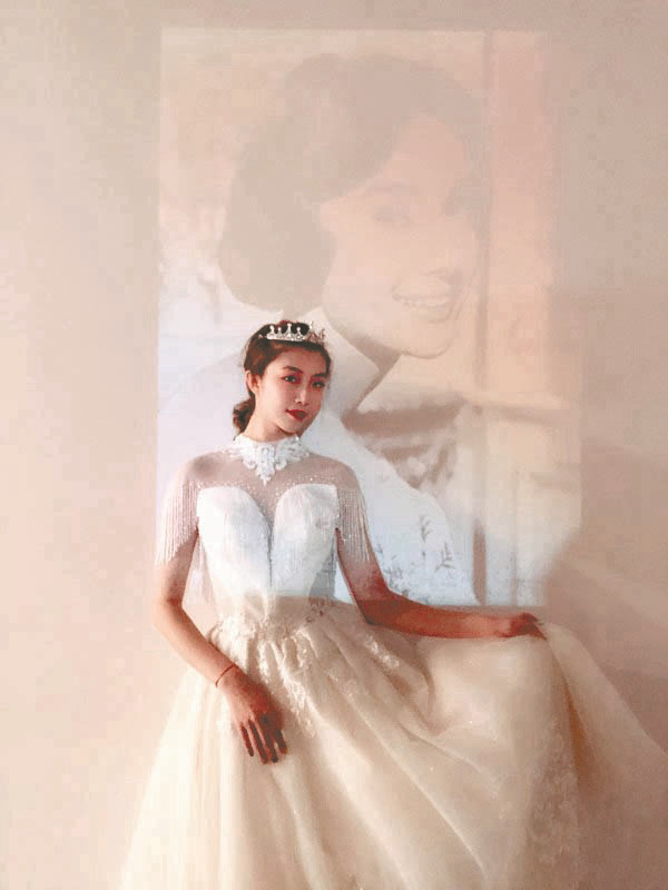 Phụ nữ độc thân chụp ảnh cưới một mình để lưu giữ thanh xuân