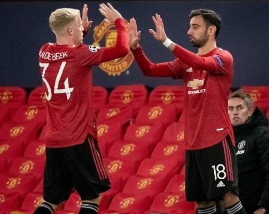 Van de Beek đòi đá MU chiến Arsenal, Mourinho làm trò hề