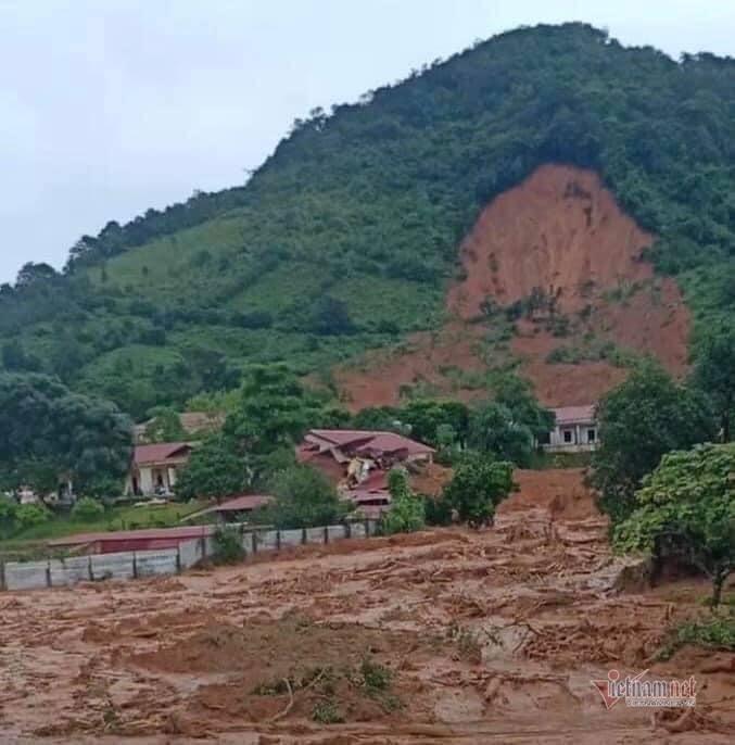 Việt Nam chưa cảnh báo được sạt lở đất đá đến cấp xã