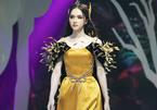 Hoa hậu Hương Giang diễn thời trang