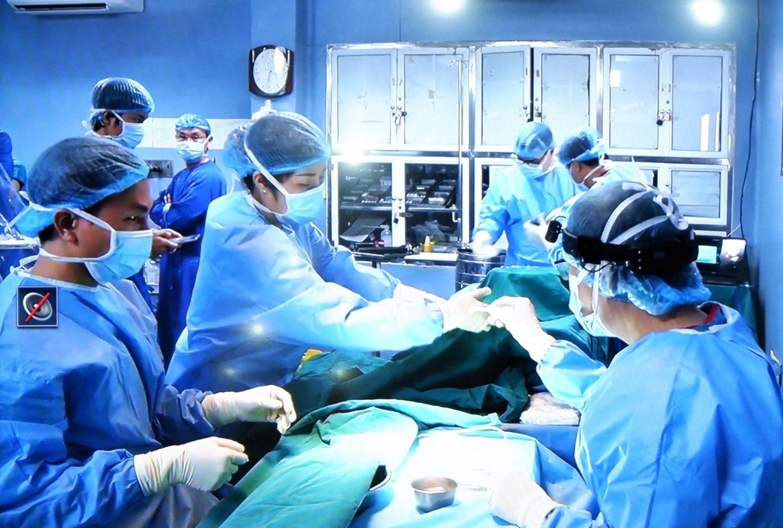 Việt Nam trở thành nước thứ 20 trên thế giới ghép ruột thành công