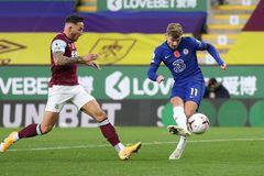 Ziyech và Werner rực sáng, Chelsea đè bẹp Burnley