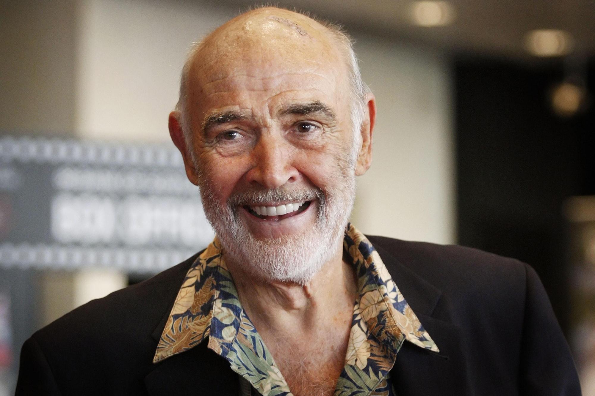 Huyền thoại 007 Sean Connery qua đời ở tuổi 90