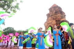 Cham traditions live on at annual festival