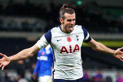 Gareth Bale lập đại công, Tottenham vọt lên nhì bảng