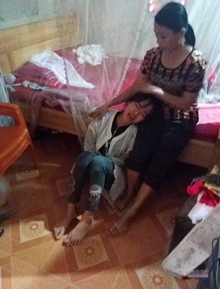 5 thi thể bị lũ cuốn ở Nghệ An, vợ trẻ ôm con khóc chồng và anh trai