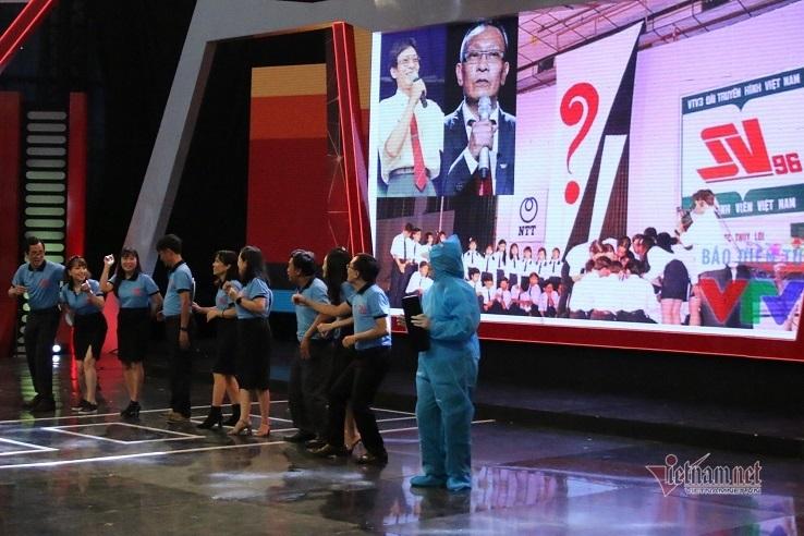 """MC Lại Văn Sâm, nghệ sĩ Xuân Bắc hội ngộ cùng các thế hệ """"Ét - Vê"""""""