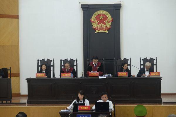 Xét xử vụ Trần Bắc Hà: Cựu Phó TGĐ BIDV nhận 8 năm tù