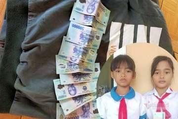 Học sinh nghèo ở Quảng Trị trả lại 5 triệu nhặt được từ đồ cứu trợ