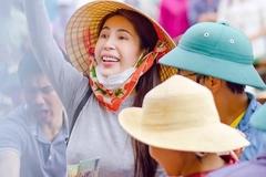 Thuỷ Tiên trao 76 tỷ tiền từ thiện, tiết lộ tin nhắn xúc động của Công Vinh