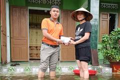 FWD quyên góp hơn 400 triệu đồng ủng hộ đồng bào miền Trung
