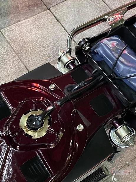 Dân chơi xe máy cổ Hà Nội chi 200 triệu sắm Dream Thái 21 năm tuổi