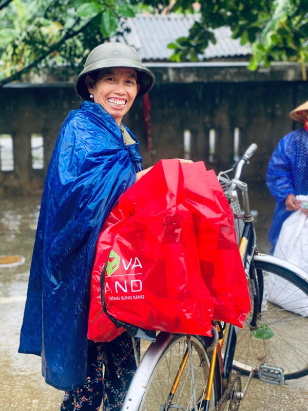 Novaland dành 15 tỷ đồng hỗ trợ người dân vùng lũ miền Trung