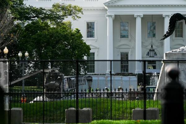 Rào chắn kín mít ở Mỹ trước giờ bầu cử