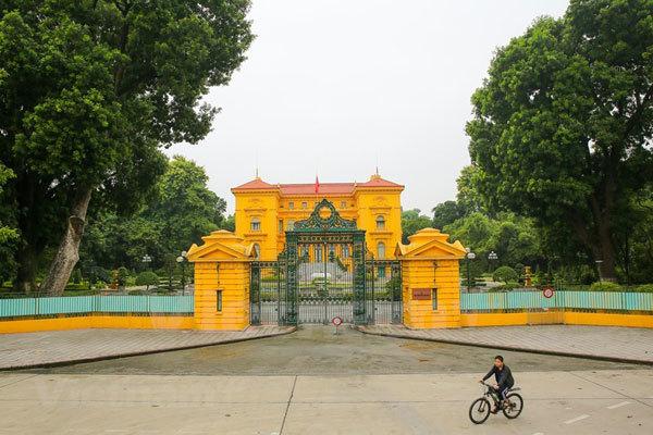 Hanoi,double-decker bus tour