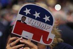 """Hé lộ những cử tri """"giấu mặt"""" của ông Trump"""