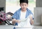 Tránh bi kịch nuôi con trong 'lồng ấp', cha mẹ Việt có dám buông tay?
