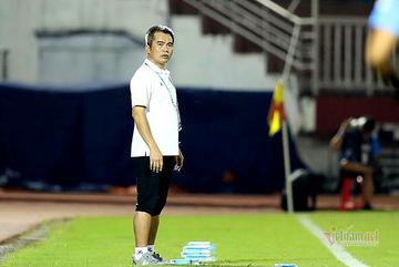 """""""Mourinho Việt Nam"""" chê bai đội bóng của Công Phượng"""