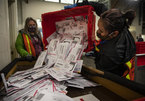 Bầu cử Tổng thống Mỹ sang ngày thứ hai, vẫn bất phân thắng bại