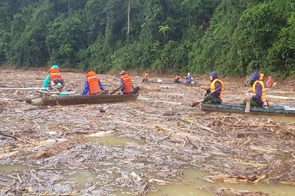 Thêm 1 thi thể nạn nhân vụ sạt lở Trà Leng tìm thấy cách hiện trường 3km