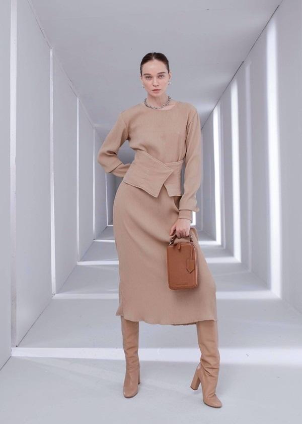 Vẻ đẹp đa dạng của phụ nữ trong các thiết kế của stylist Kelbin Lei