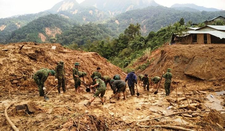Bão số 10: Tạm dừng tìm kiếm nạn nhân mất tích trong 3 vụ sạt lở ở Quảng Nam