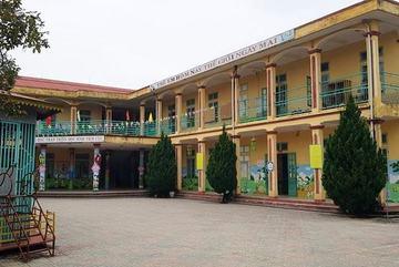 Học sinh mầm non bị yêu cầu đóng 300 nghìn cho trường lắp điện 3 pha