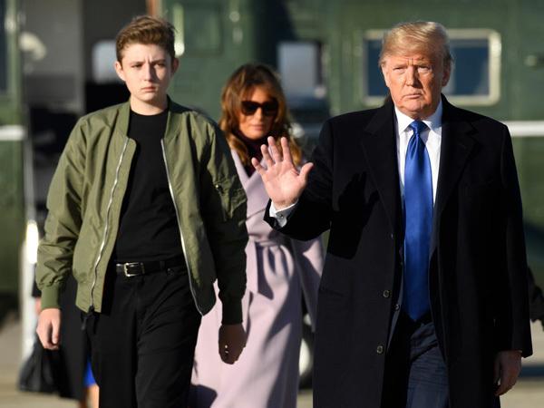 """Con trai út được ca ngợi là """"thiên tài máy tính"""" của Donald Trump"""
