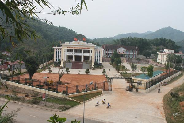 Lang Chánh xây dựng nông thôn mới từ thôn, bản