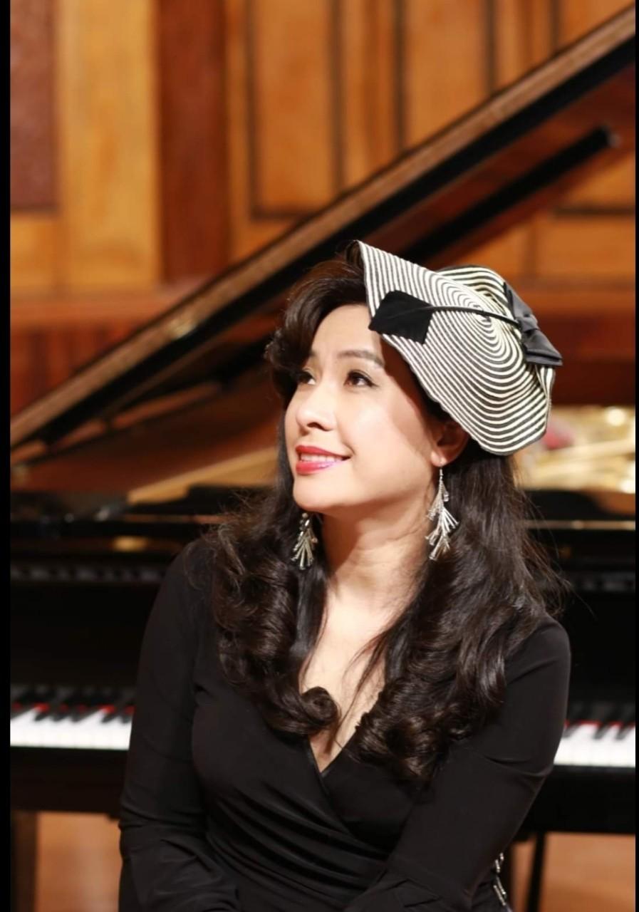 Ca sĩ Thùy Dung vẫn ngập tràn hạnh phúc khi rời xa sân khấu