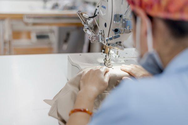 Khách Mỹ phá sản, doanh nghiệp dệt may Việt mất trăm tỷ tiền hàng