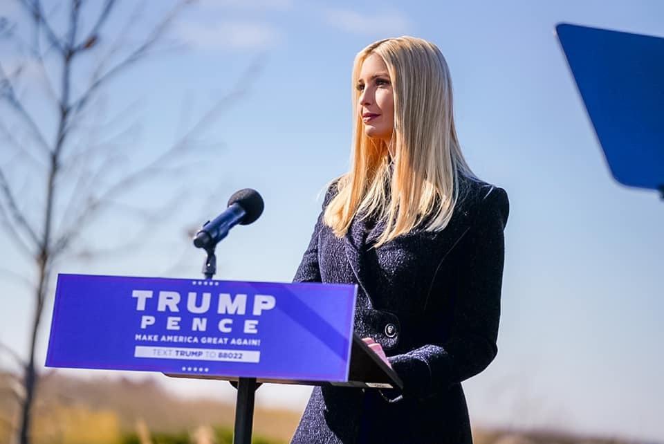 Mê mẩn gu thời trang của Ivanka Trump, con gái Tổng thống Mỹ